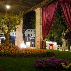 Carnevale Dolo Spazio Luce Un Giardino ad Arte dipinto-giardino Miro' KartellOUTDOOR Bubble Club Philippe Starck